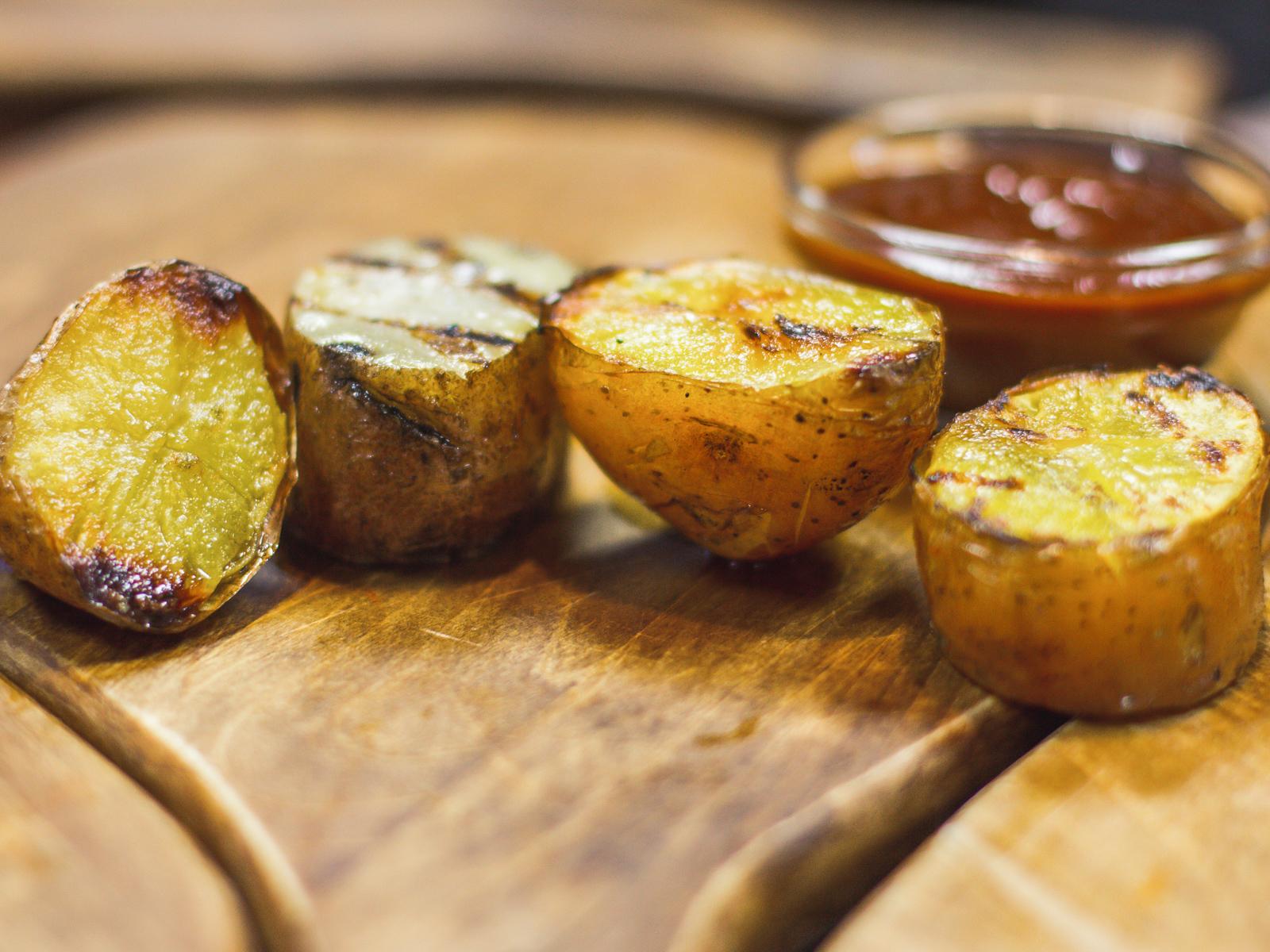 Печеный картофель-гриль