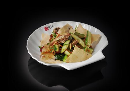 Салат с уткой и рисовыми чипсами (220 гр)
