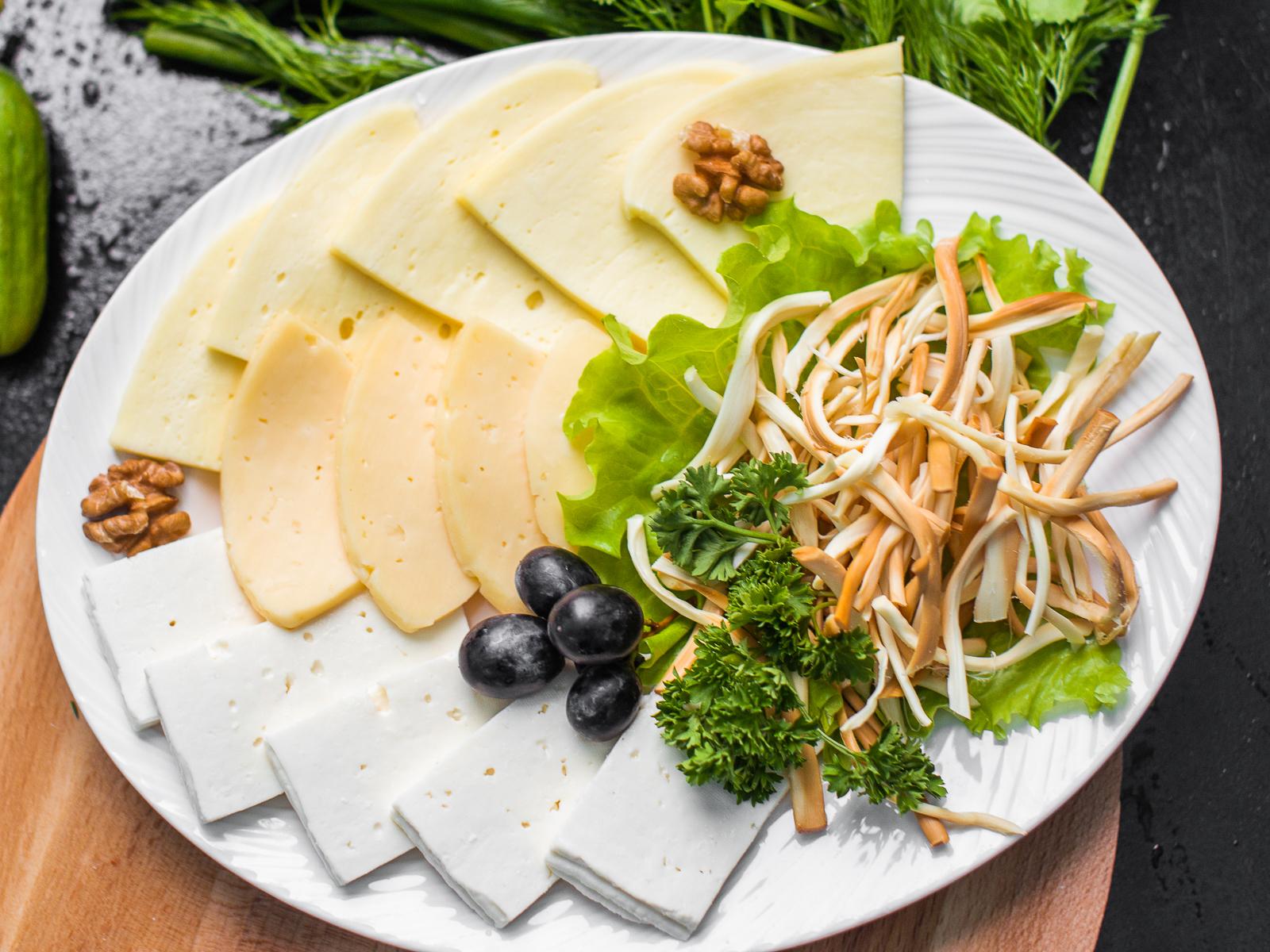 Ассорти сырное по-кавказки