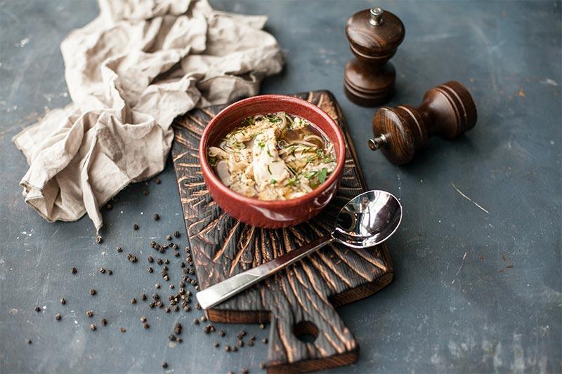 Куриный суп с гречневой лапшой соба