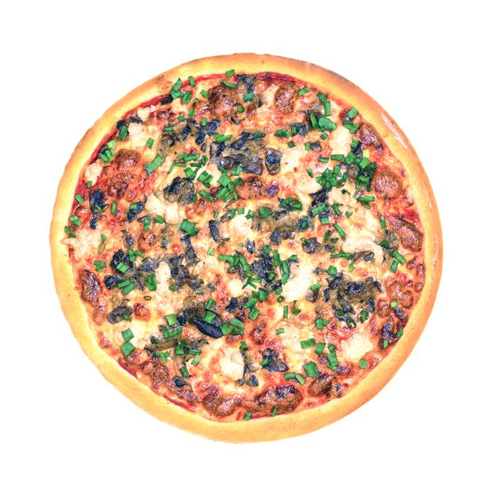 Пицца с курицей и грибным жульеном