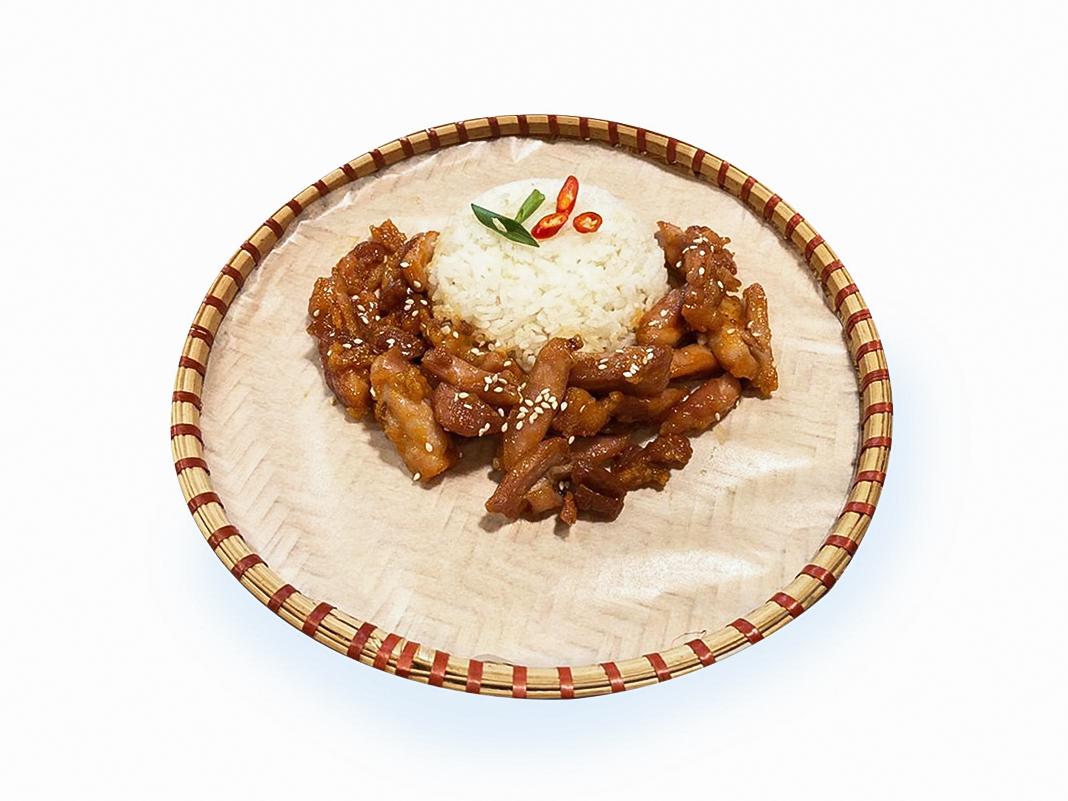 Курица в фирменном соусе с рисом