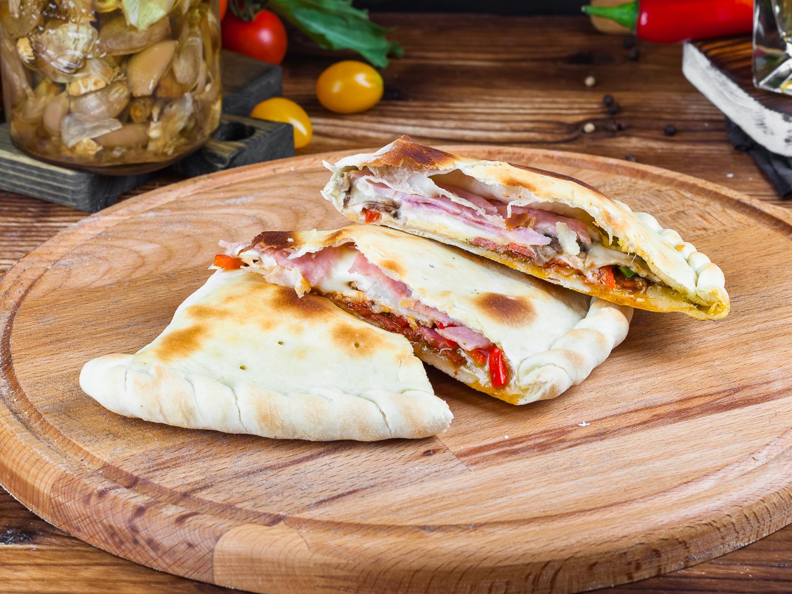 Пицца Кальцоне ми-аморе