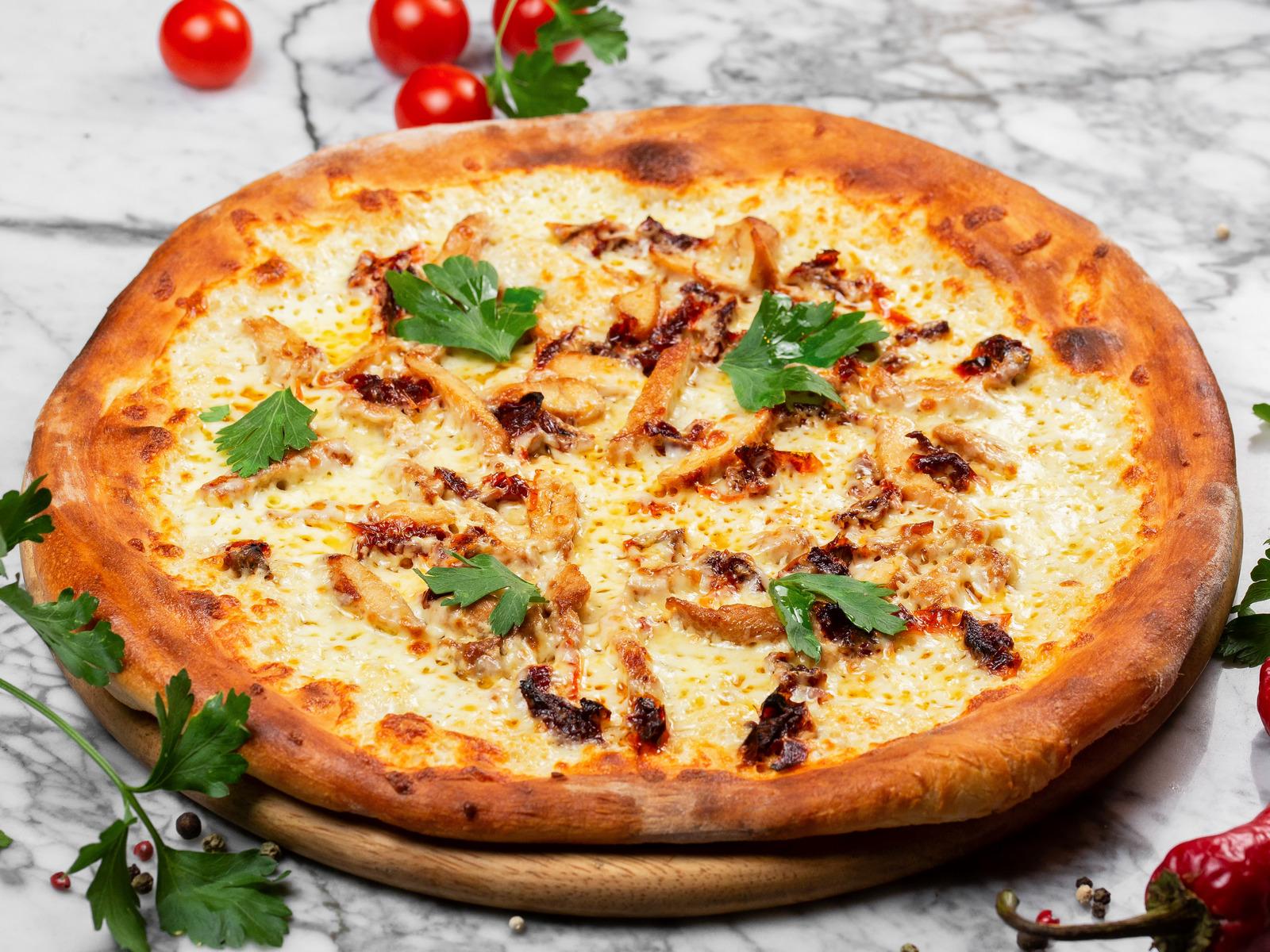 Пицца Сливочная с курицей