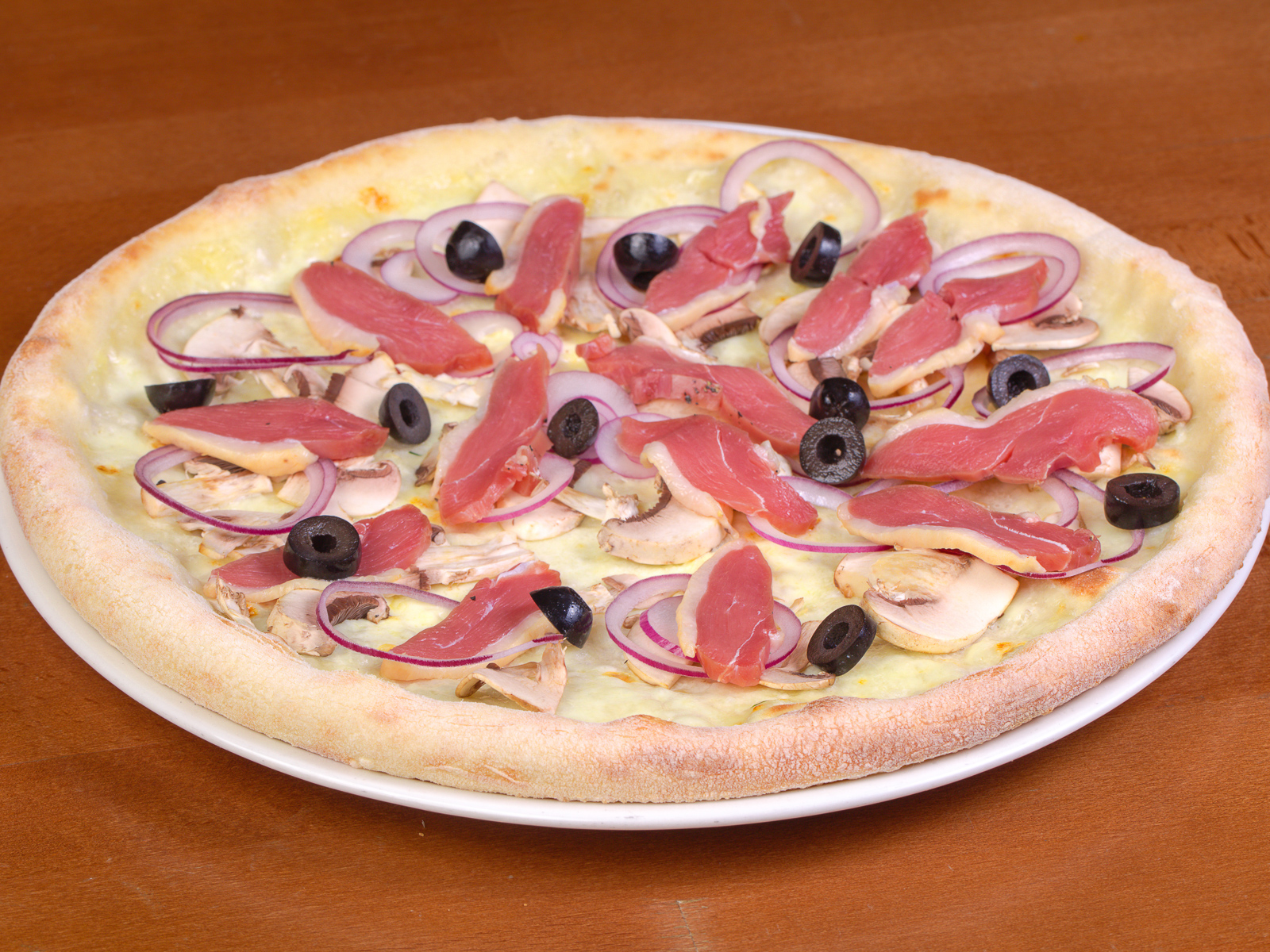 Пицца с копченой уткой