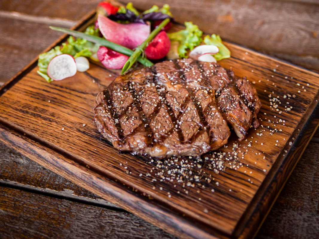 Рибай стейк  из мяса фермерских бычков