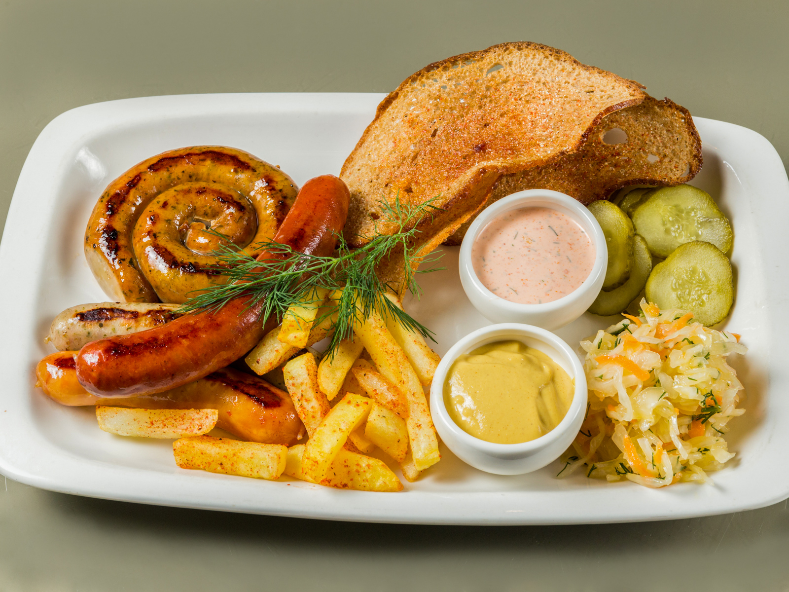 Немецкие колбаски со свининой
