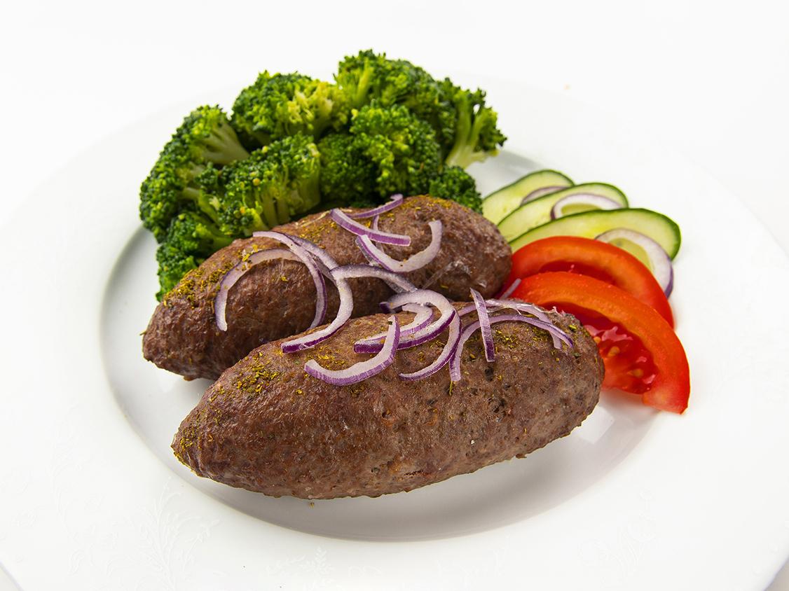 Фирменные люля-кебаб из говядины с брокколи