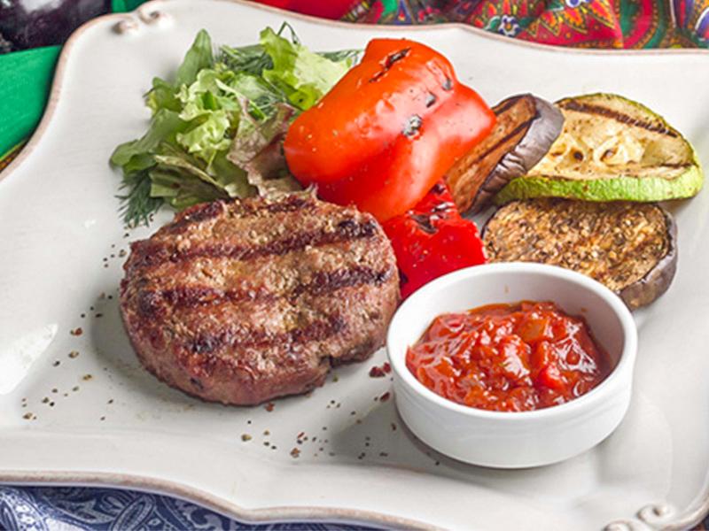 Бифштекс из рубленой говядины