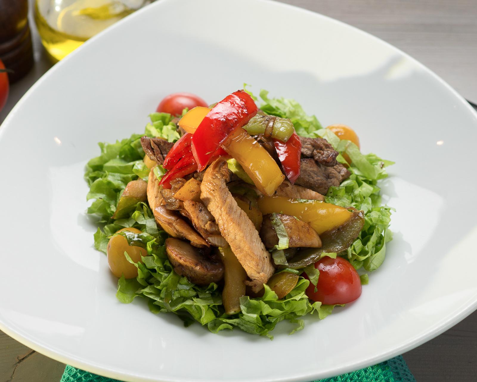 Горячий мясной салат