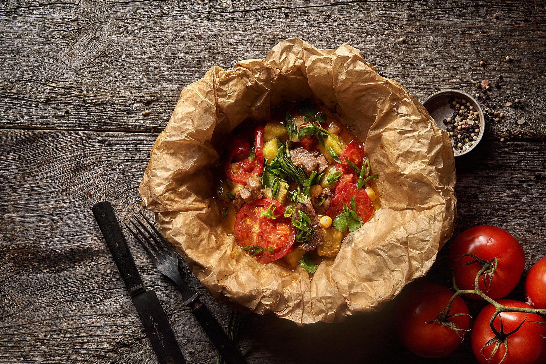 Тушёная баранина с баклажанами и помидорами
