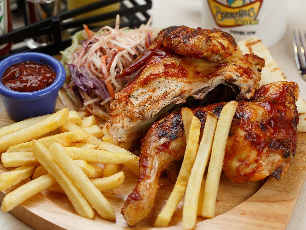 Цыпленок на гриле целый