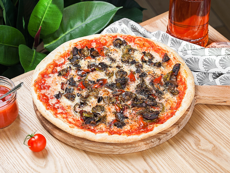 Пицца с печеными овощами