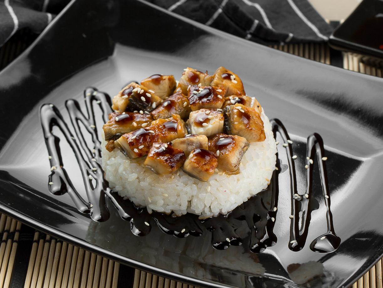 Японский рис с угрем