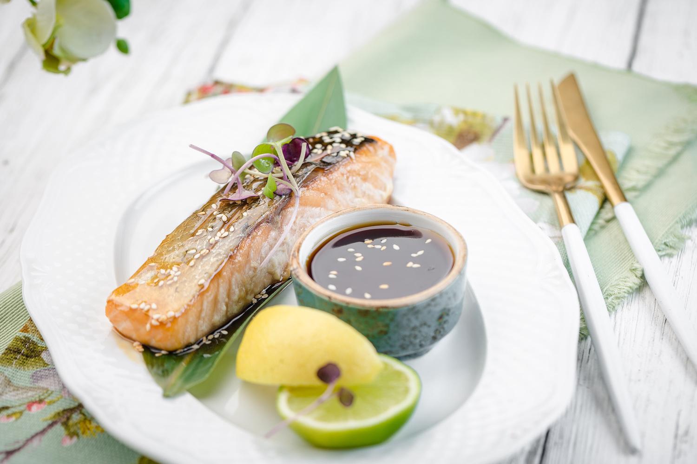 Филе лосося с соусом терияки