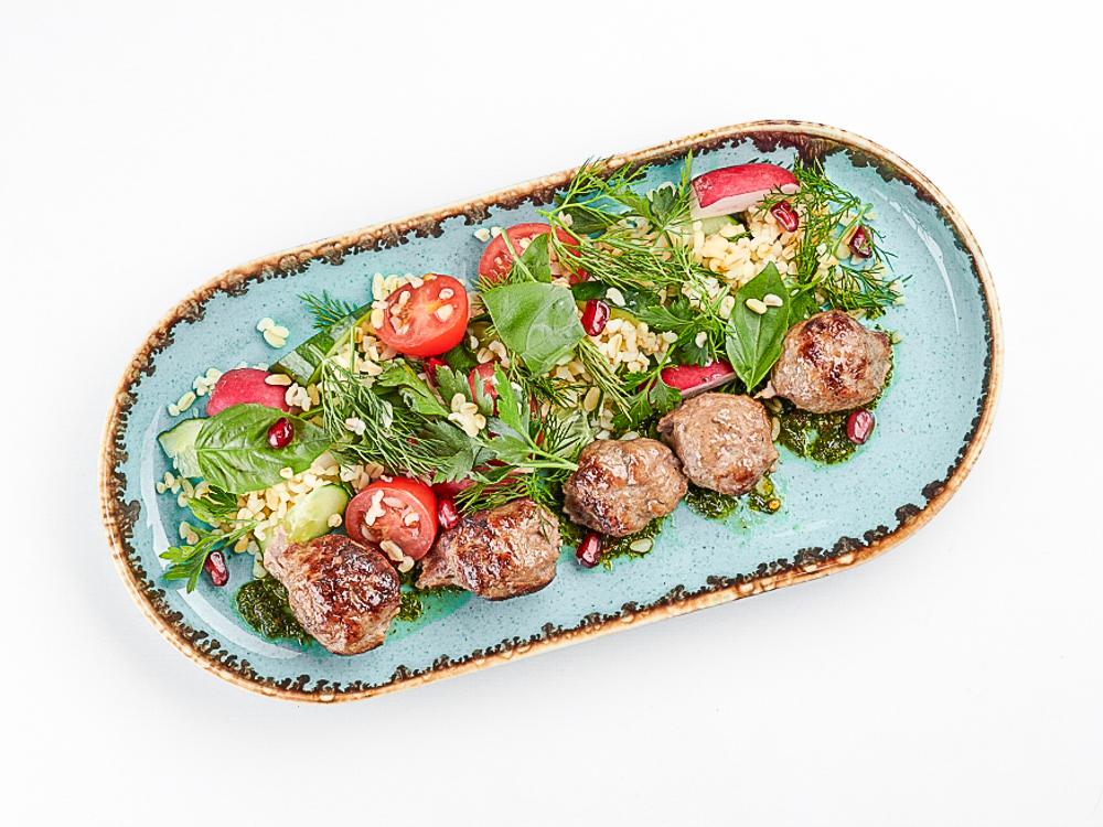 Салат с тефтельками из баранины