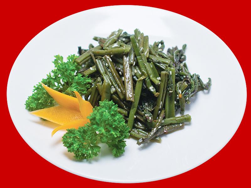 Салат из стеблей папоротника