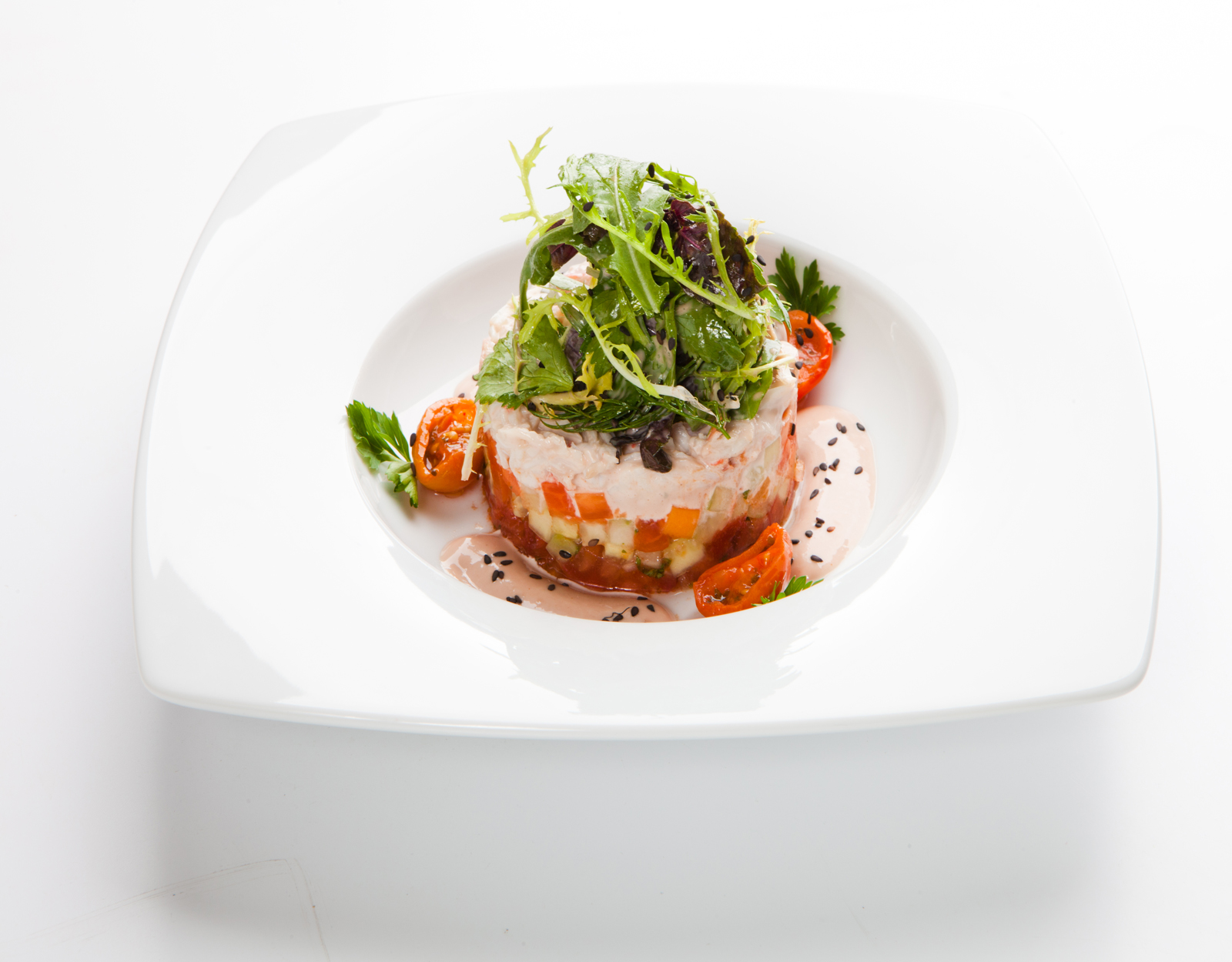 Краб камчатский в салат изрубленный, с плодами южными на новый манер