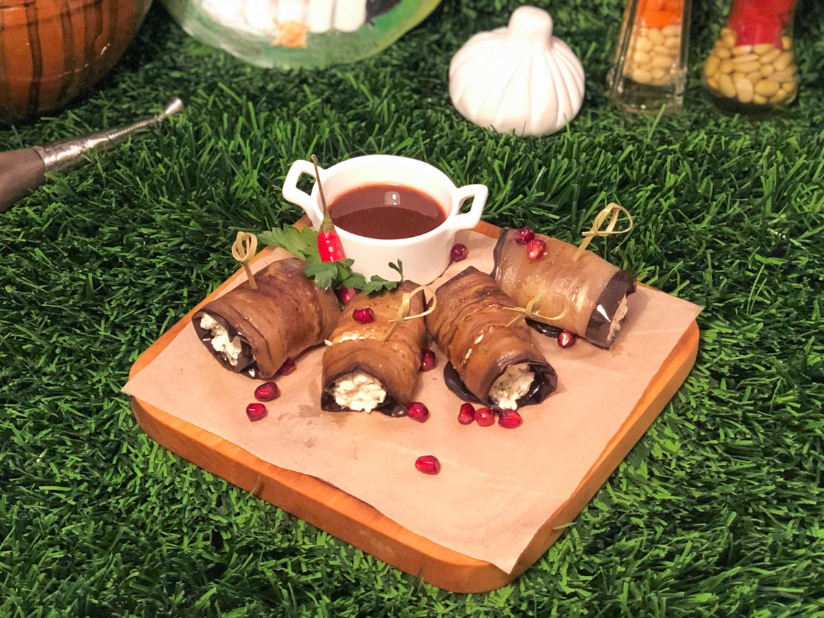 Рулетики из баклажанов с нежным домашним творогом надуги и мятой