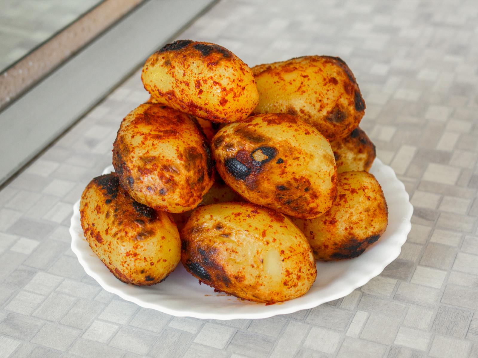 Картошка на углях