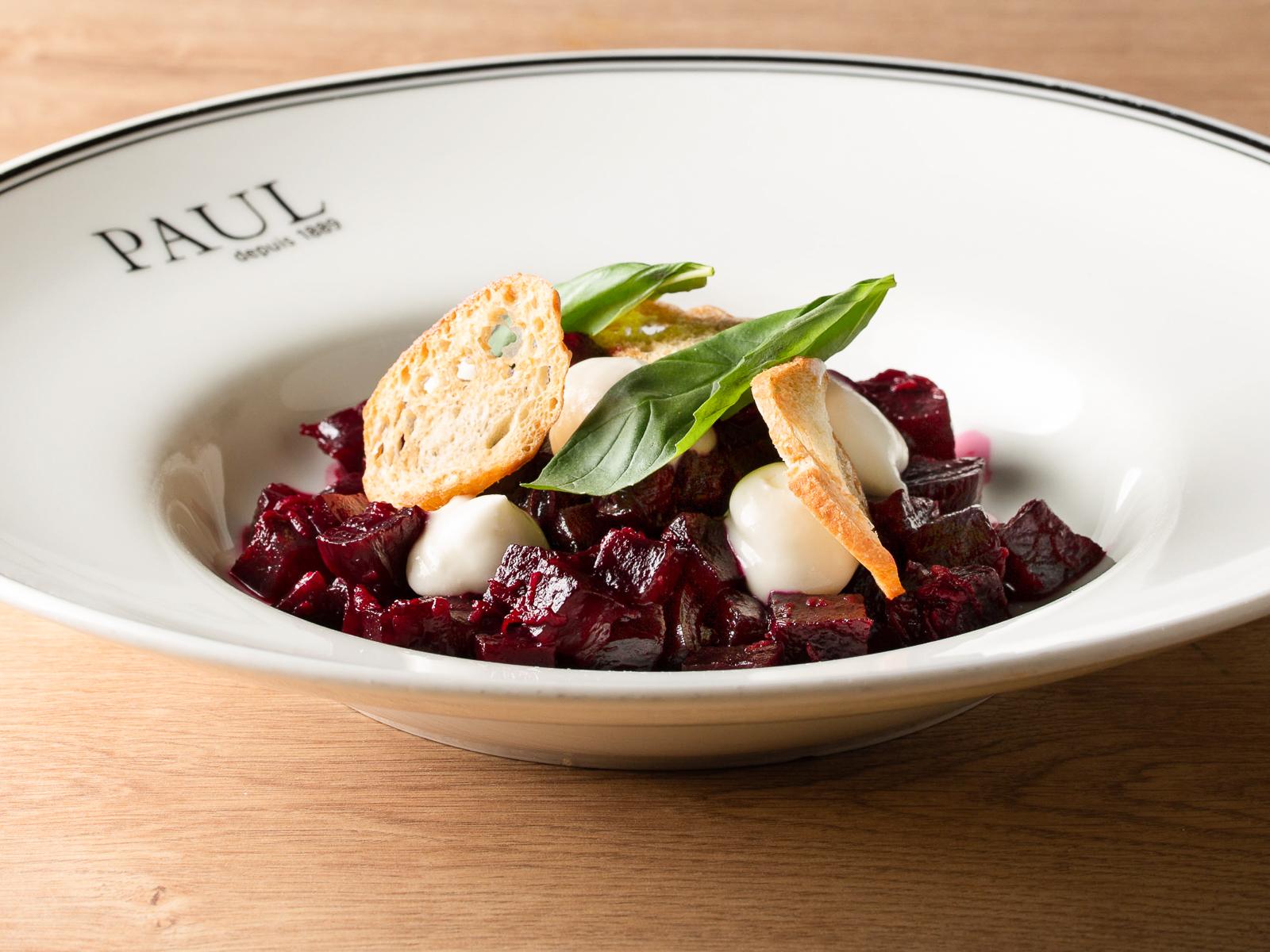 Салат со свеклой и сырным муссом
