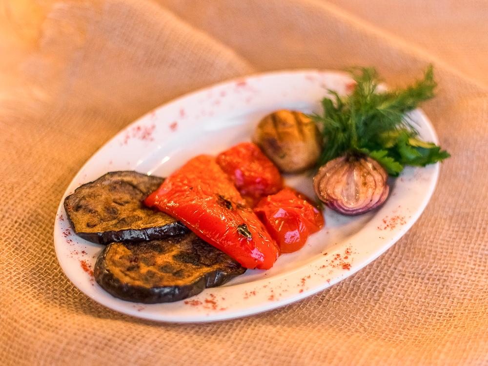 Ассорти сезонных овощей на мангале