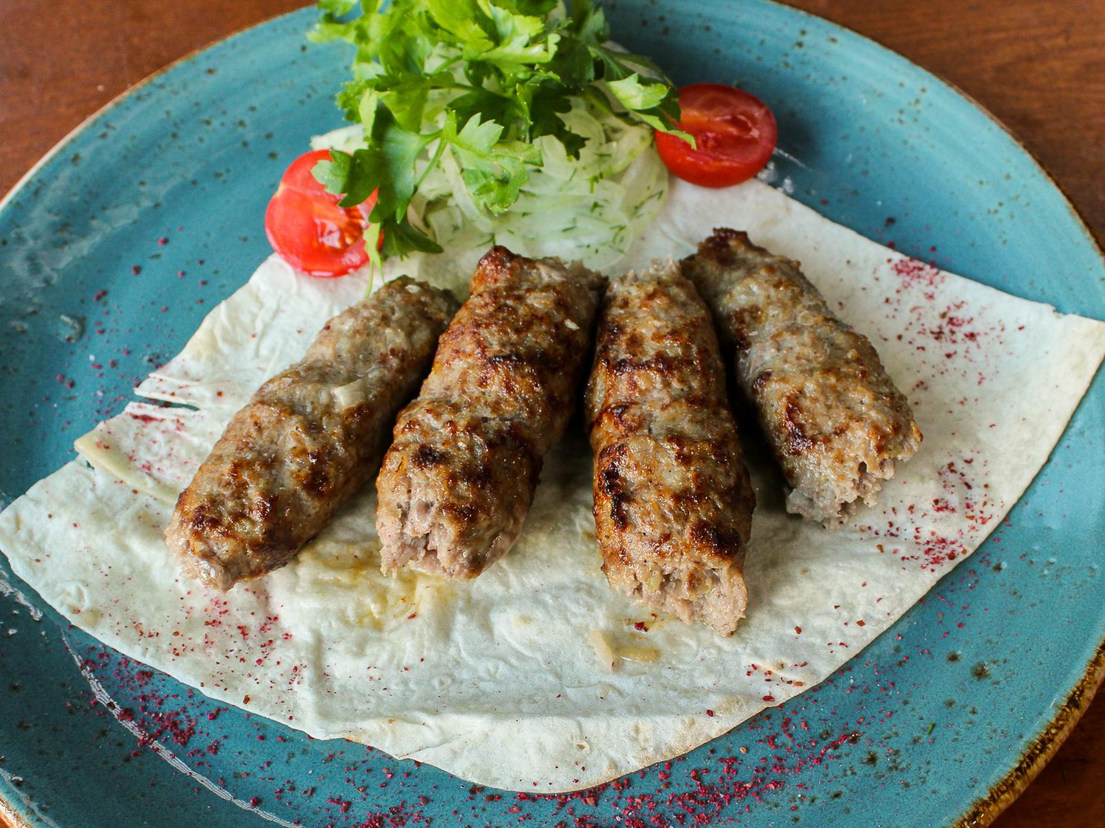 Кебабы из баранины с бакинскими помидорами