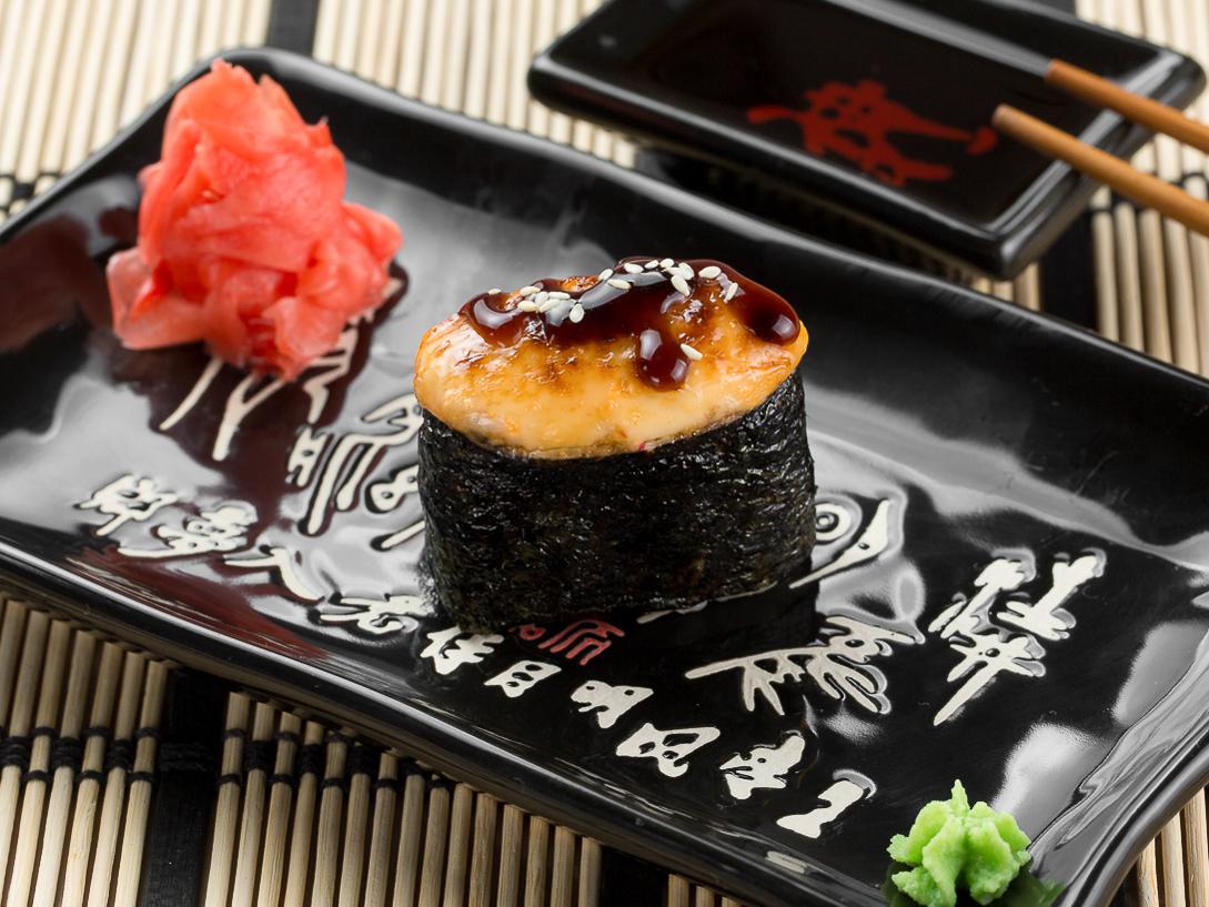 Суши запеченные с морским гребешком