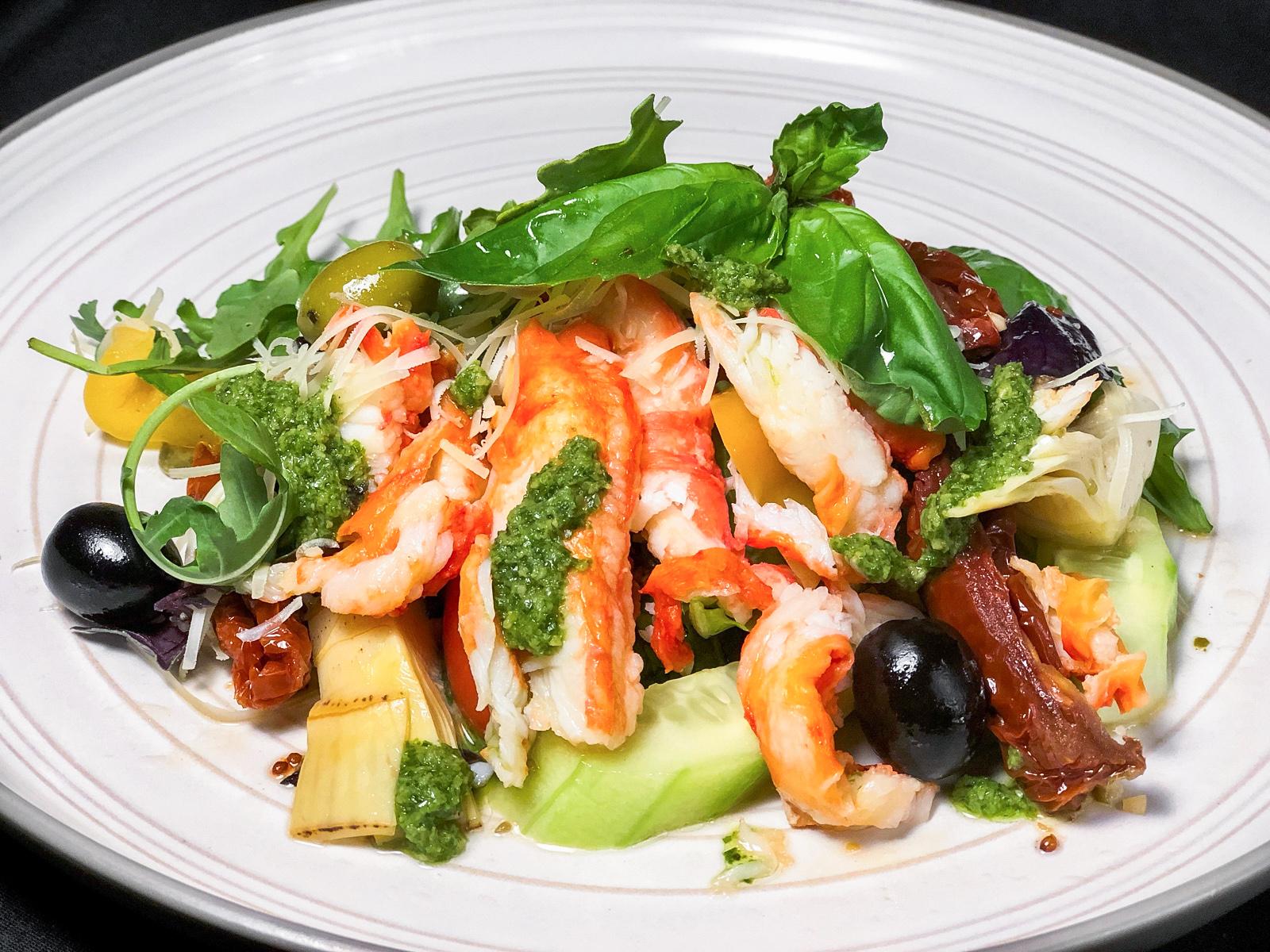 Салат краб с авокадо и артишоками
