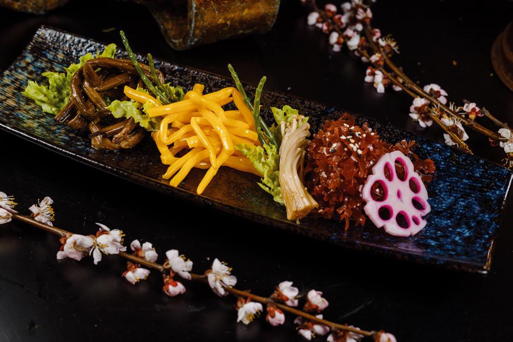 Папоротник, женьшень, водоросли тосака, лотос