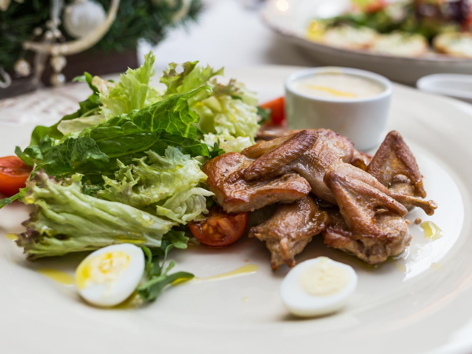 Салат с перепелами