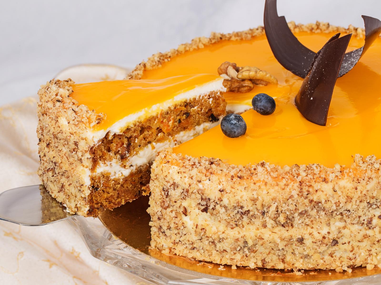 Морковный торт с грецким орехом