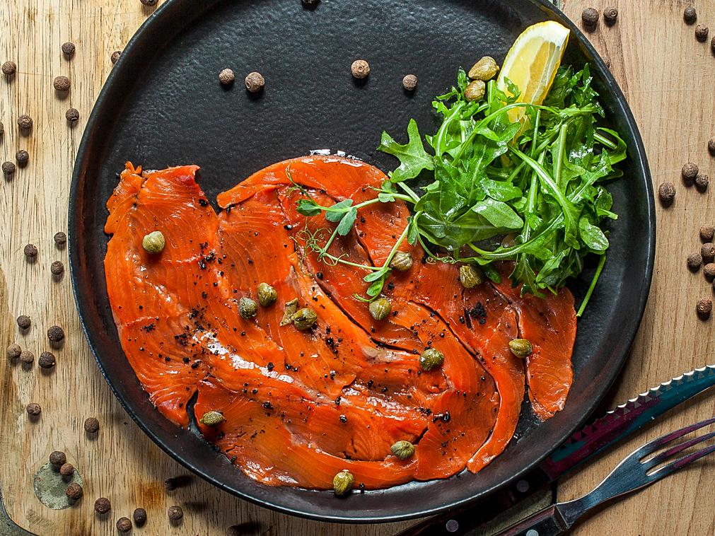 Карпаччо из северной рыбы с фокаччино
