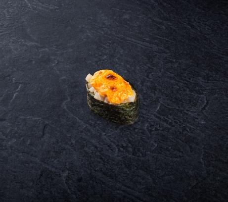 Суши запеченный морской гребешок