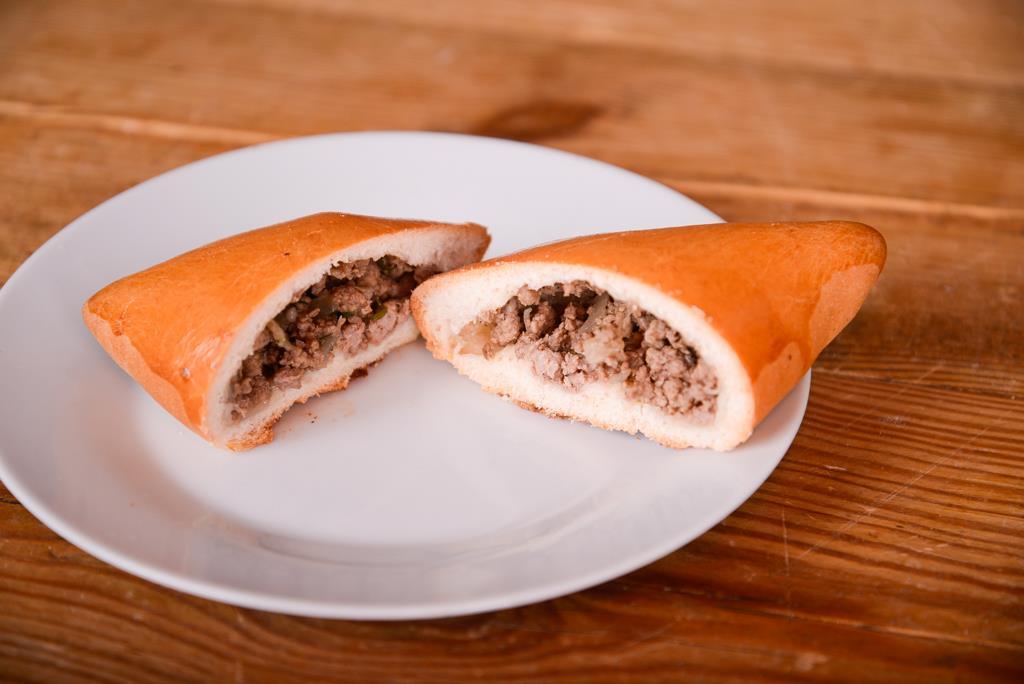 Пирожок с мясом