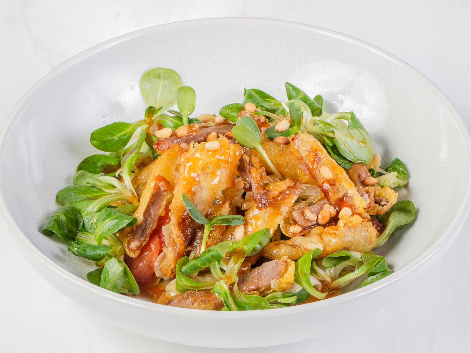 Салат из утки темпура