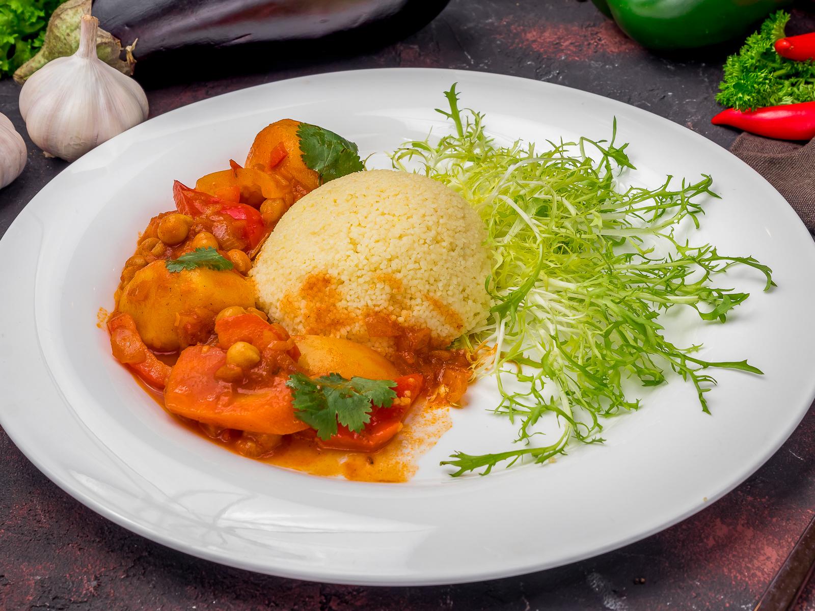 Кус-кус с овощами и нутом