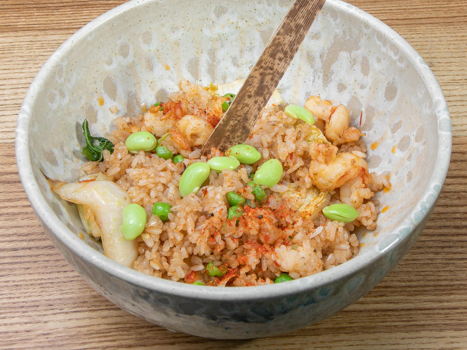 Жареный рис с креветками в перечном соусе