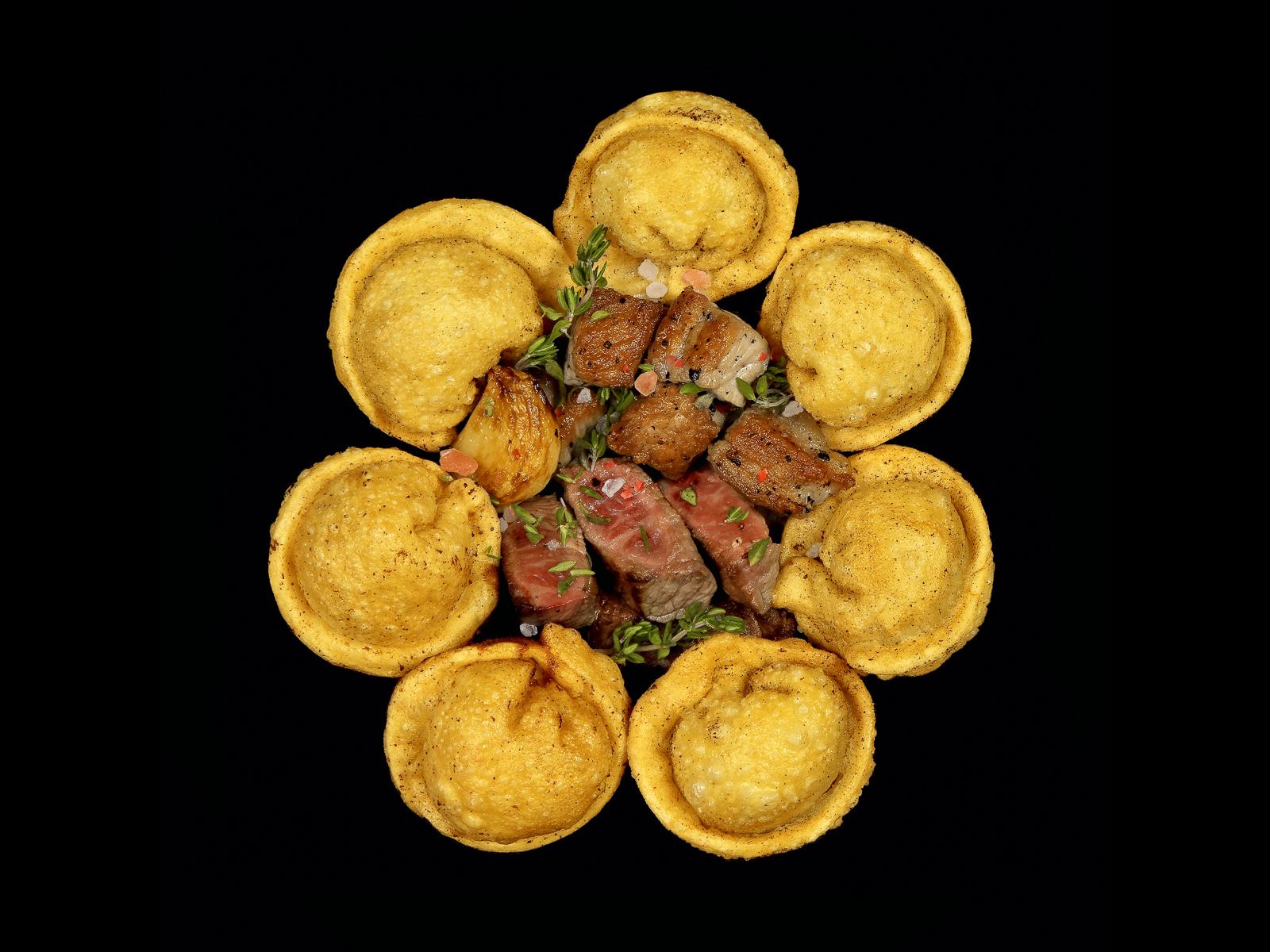 Пельмени ручной лепки жареные ФриПели со свининой и говядиной