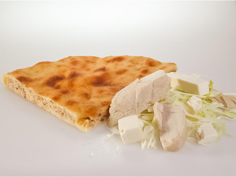 Пирог с курицей, капустой и сыром