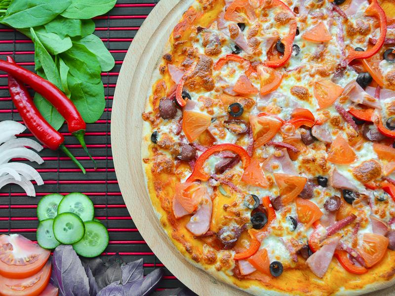 Пицца Колбасное ассорти