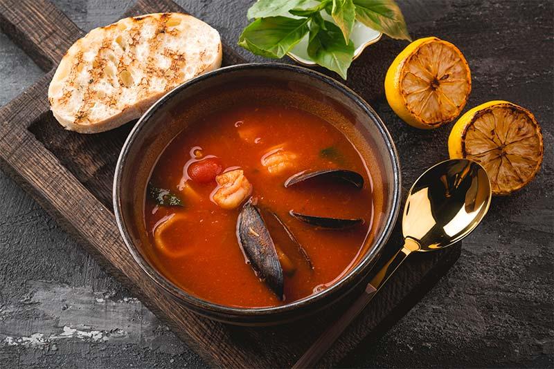 Домашняя рыбная похлебка c морепродуктами