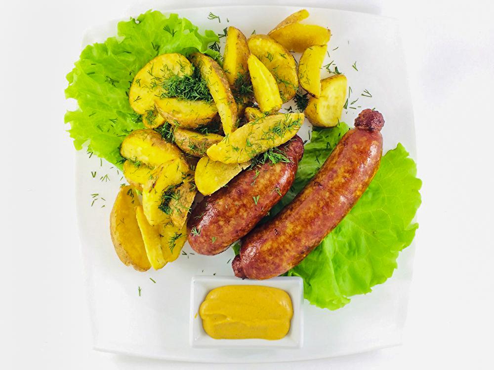 Колбаски с картофелем по-креольски