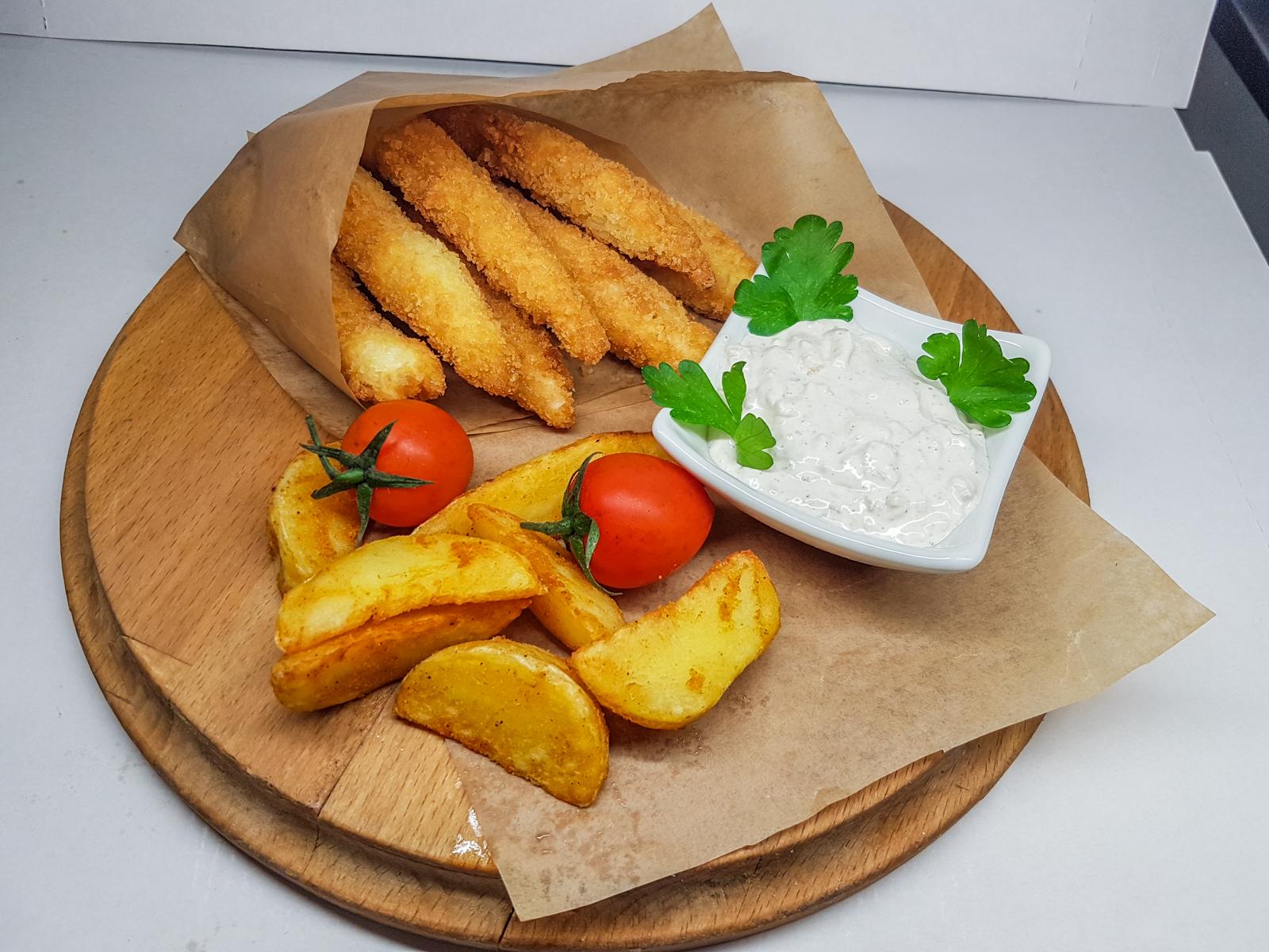 Куриные наггетсы с картофельными дольками