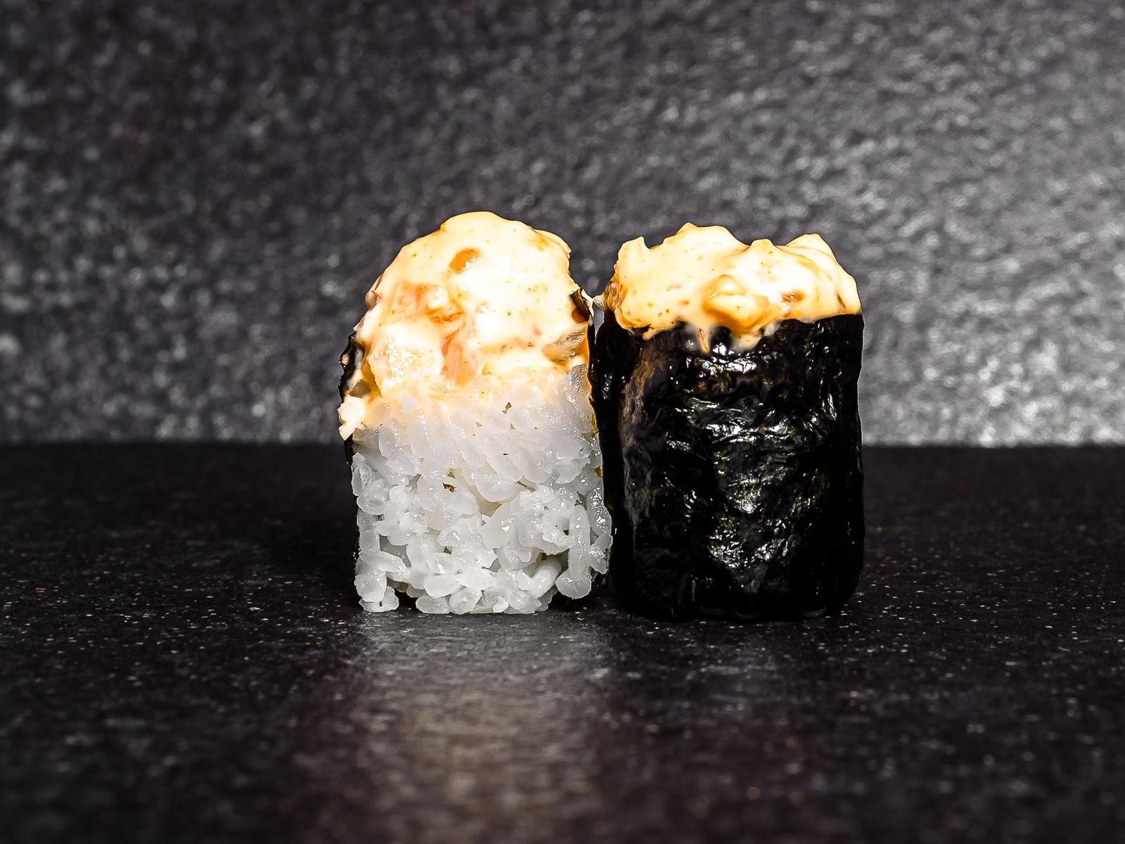 Острые суши с гребешком