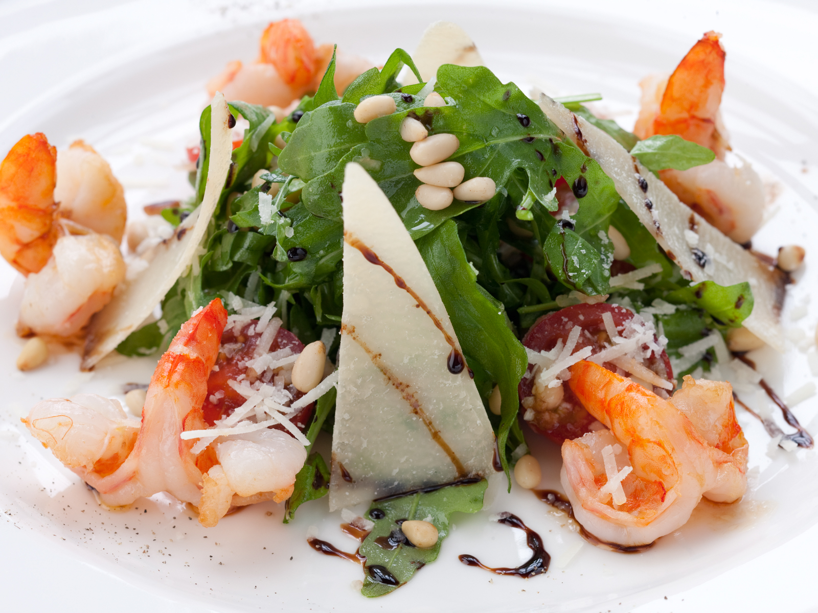 Салат из руколы с креветками
