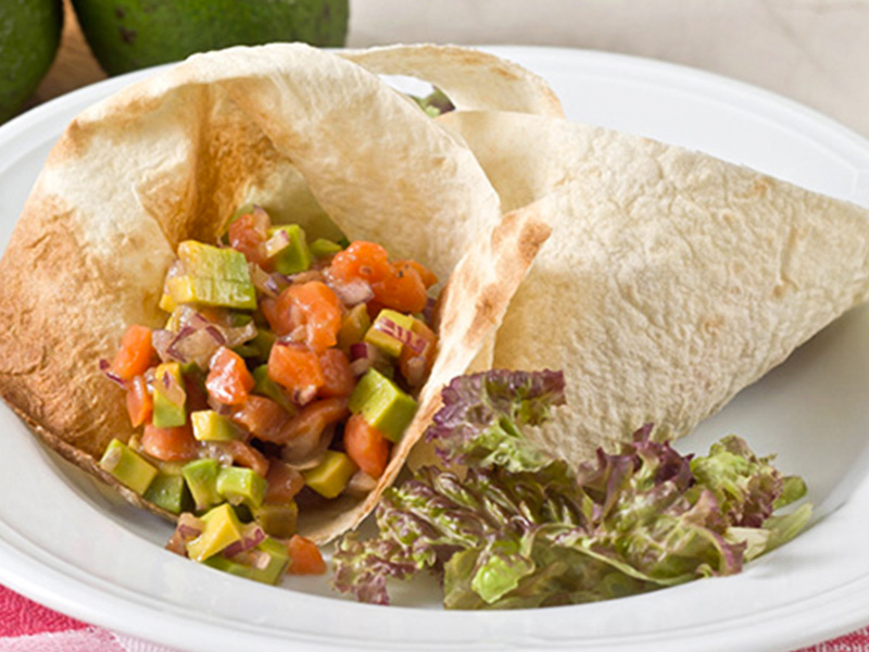 Салат Тар-тар из форели и авокадо