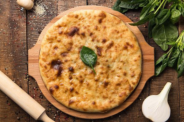 Осетинский пирог с листьями шпината и сыром