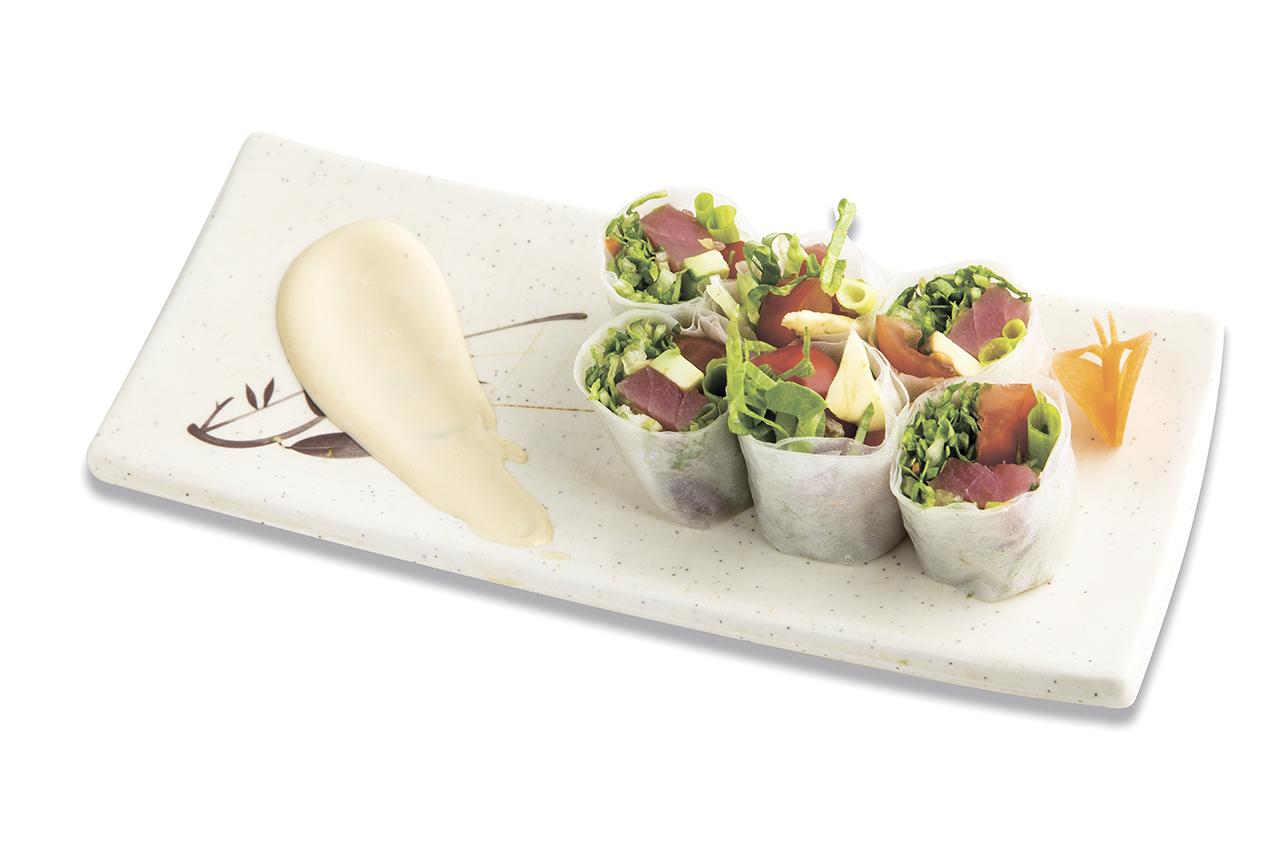 Спринг ролл Харумаки сарада с тунцом и авокадо