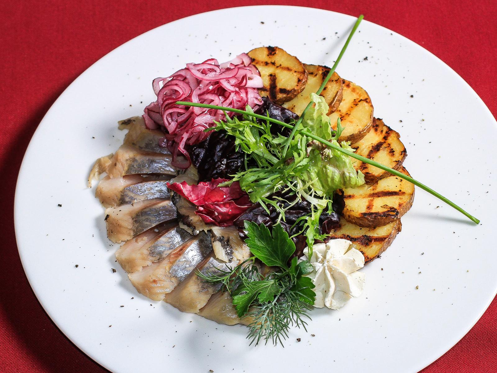 Сельдь пряного посола с картофелем-гриль
